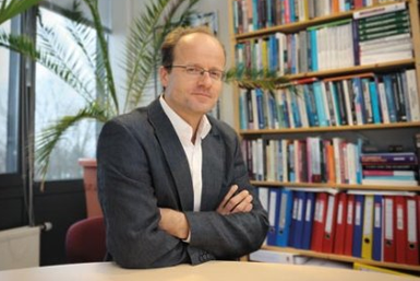Prof. dr. Erwin Bulte.