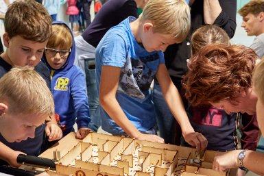 Kinderen tijdens het Weekend van de Wetenschap