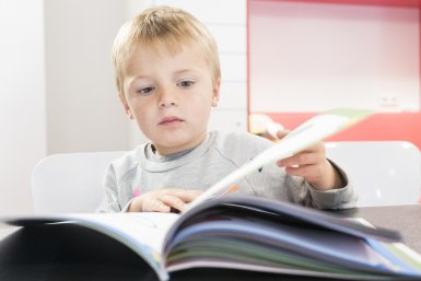 Jongetje met een boek