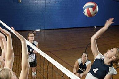 Volleyballende meisjes