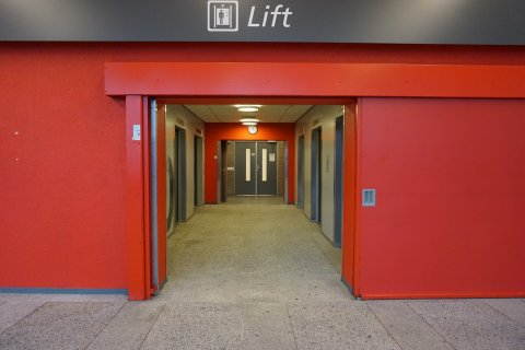The elevators on the ground floor of the Willem C. van Unnik building