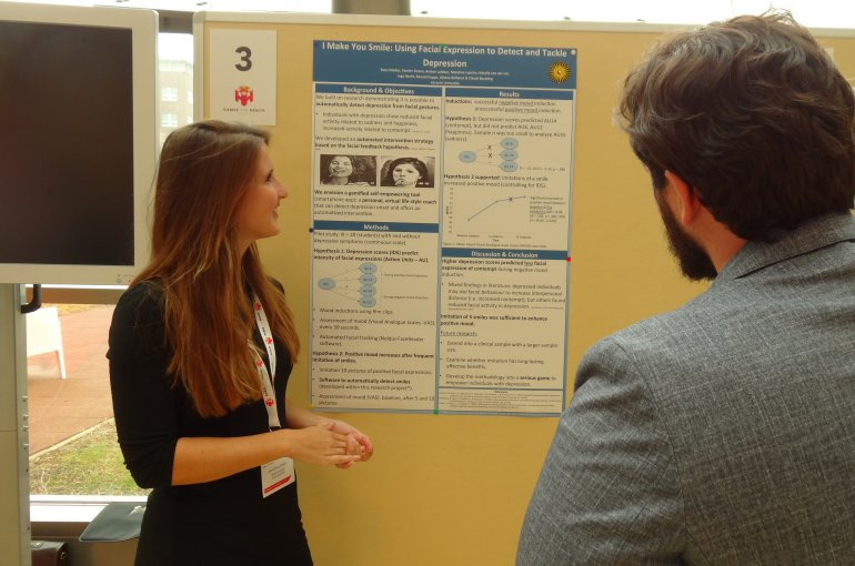 Roos Dekker presenting her findings at the Games for Health conference