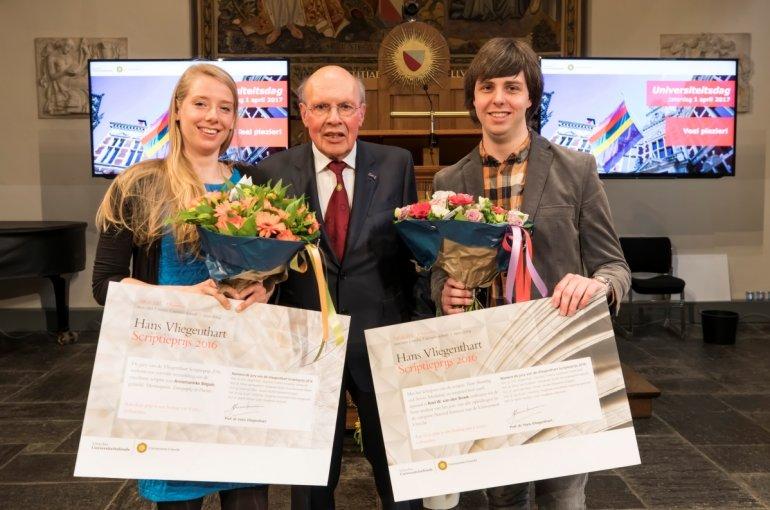 Hans Vliegenthart bij de uitreiking van de naar hem vernoemde Scriptieprijs 2016