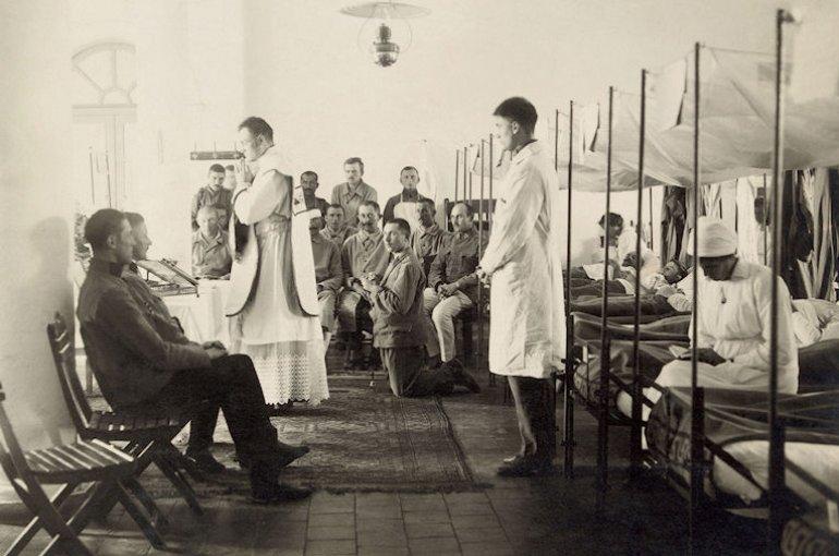 Mis in een veldhospitaal, 1916