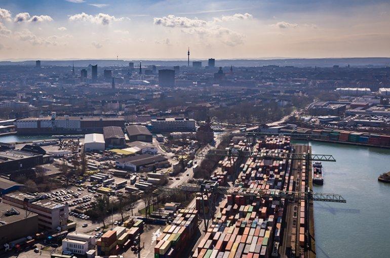 De containerhaven van Dortmund in het Ruhrgebied © iStockphoto.com