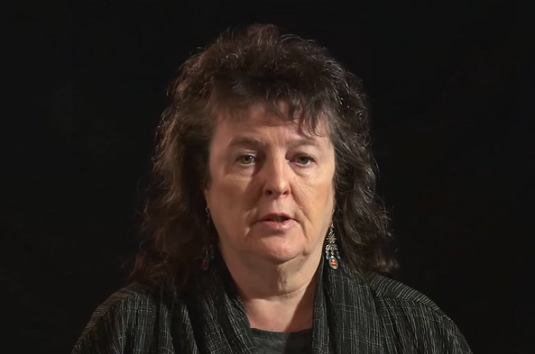 Carol Ann Duffy. Bron: YouTube (still)