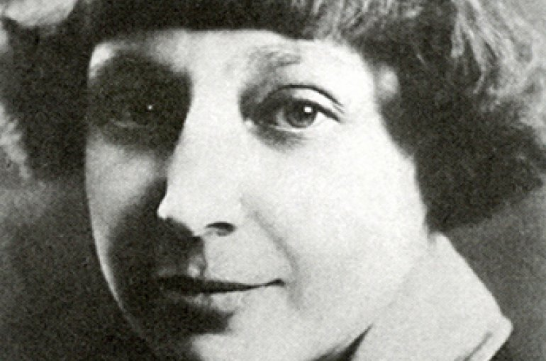 Elke Erb (1938) en Marina Tsvetájeva (1892-1941). Bron: Wikimedia