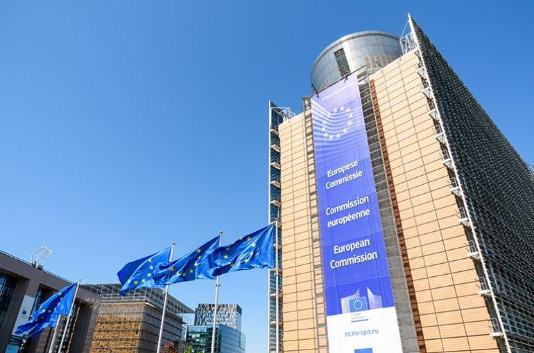 Europese Commissie © iStockphoto.com/olrat