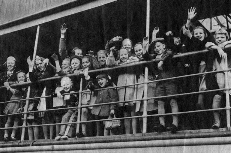 Finse kinderen aan boord van de Acturus, op weg naar Zweden, juni 1941. Bron: Wikimedia