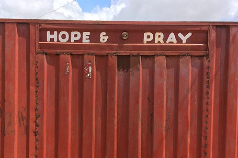 Hope and Pray, Madina, Accra (2017). Foto: Birgit Meyer