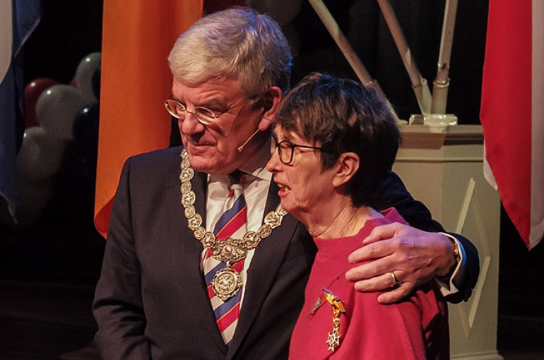 Burgemeester Jan van Zanen en Truus van Bueren. Foto: Lex Raat