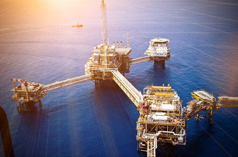 Offshore olieraffinaderij © iStockphoto.com