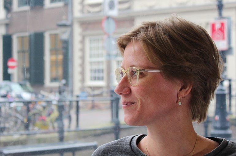 Dr. Iris van der Tuin