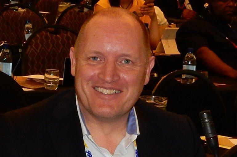 Dr. Albert van der Zeijden