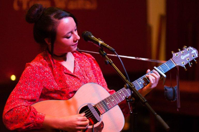 Open Podium Singer/songwriter Parnassos