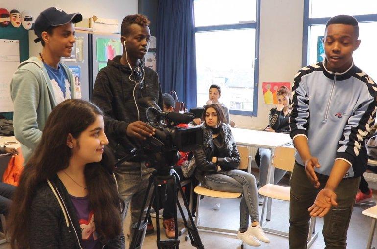migratiejongeren maken zelf een video