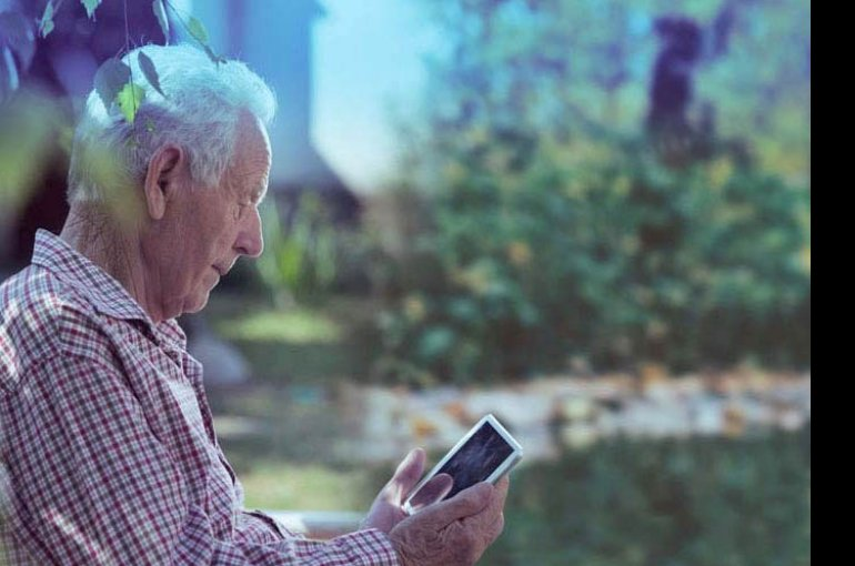 Prepdoc: empowering elderly people in conversations with healthcare professionals
