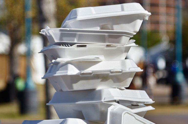 Polystyreen wegwerpbakjes