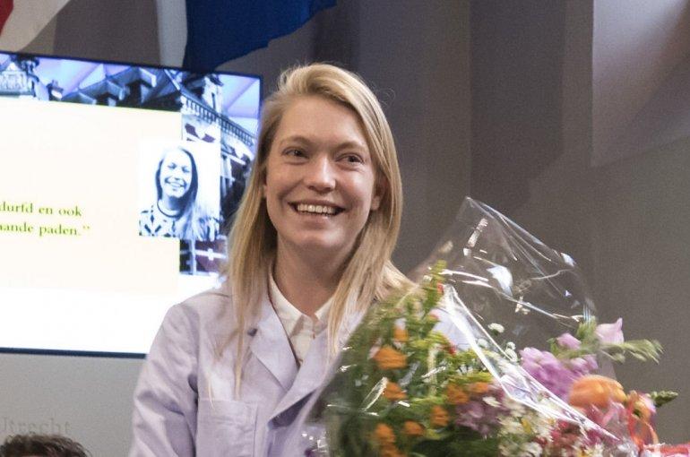 Aafje de Roest wint Vliegenthart Scriptieprijs